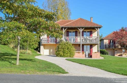 Last Minute Cottages - Le Pavillon