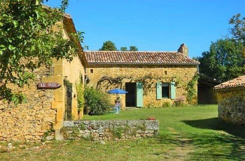 Last Minute Cottages - Le Roc