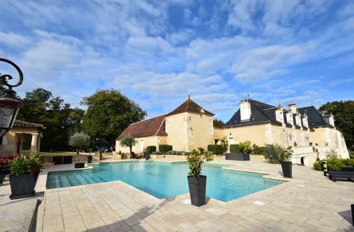Last Minute Cottages - Chateau Villa de Luxe près Bergerac 16 p