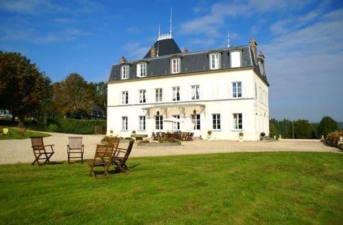 Last Minute Cottages - Château et gîtes Saint Gervais