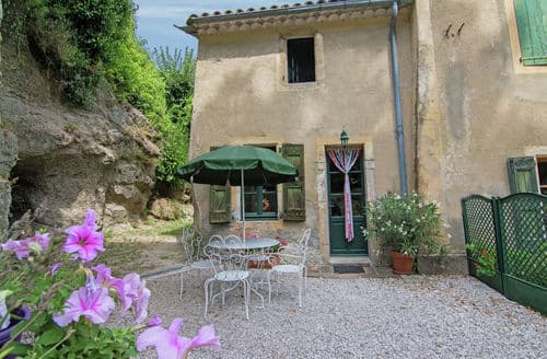 Last Minute Cottages - Maison Charmante