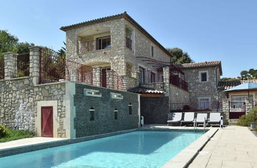 Last Minute Cottages - Villa des 4 vents A  for 10 adults and 2 children