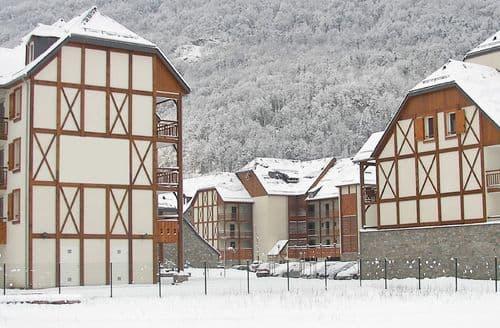 Last Minute Cottages - Attractive Saint Mamet Apartment S151584