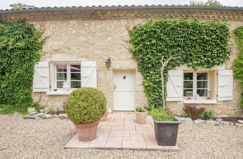 Last Minute Cottages - Castillon