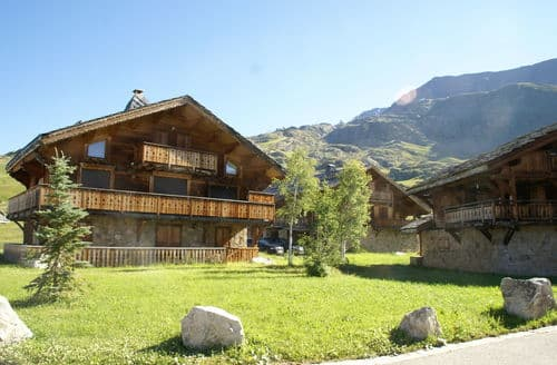 Last Minute Cottages - Les Chalets de l'Altiport 5