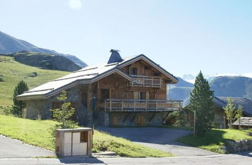 Last Minute Cottages - Les Chalets de l'Altiport 4
