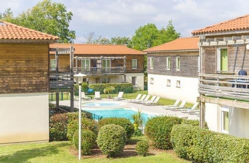 Last Minute Cottages - Residences Les Terrasses du Lac 1