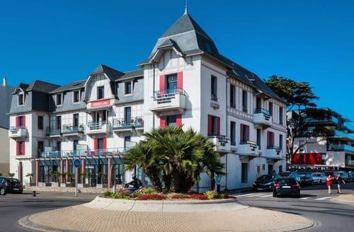 Last Minute Cottages - Residence de la Plage