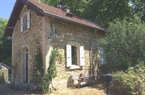 Last Minute Cottages - Gite Maison de Garde Barrières