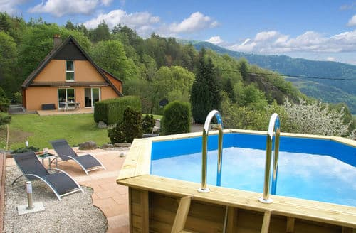 Last Minute Cottages - Le Panorama