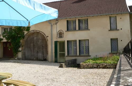 Last Minute Cottages - La Ferme des choucas