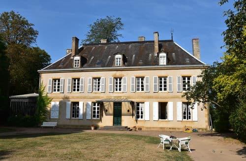 Last Minute Cottages - Château des Lambeys
