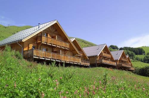 Last Minute Cottages - Les Chalets de la Fontaine 1