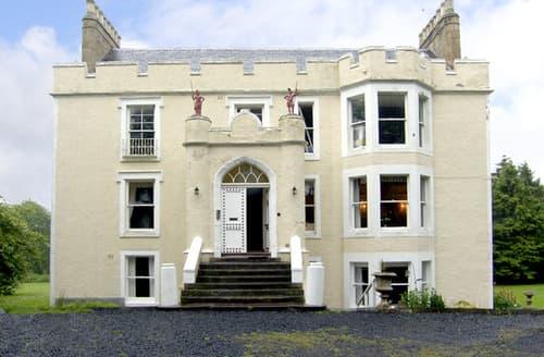 Last Minute Cottages - Tweed Apartment, Press Castle
