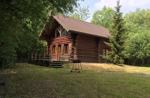 Last Minute Cottages - Chalet 2