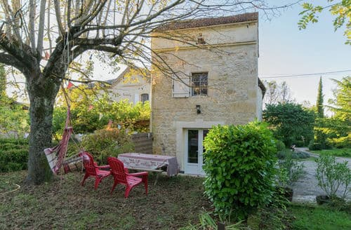 Last Minute Cottages - Le Pigeonnier