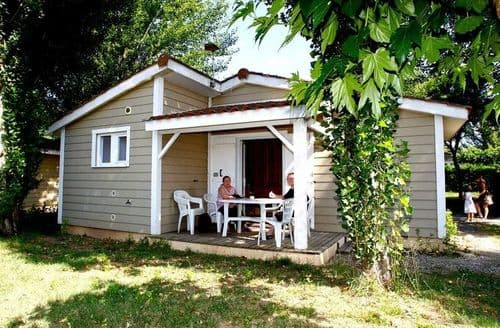 Last Minute Cottages - Le Domaine du Cèdre 1