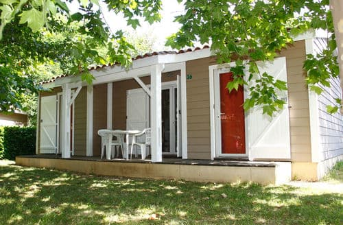 Last Minute Cottages - Le Domaine du Cèdre 2