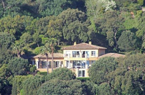 Last Minute Cottages - Villa Darius