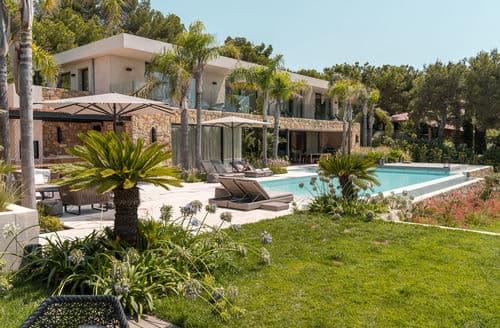 Last Minute Cottages - Villa Saint-Cyr