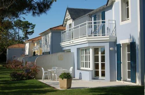 Last Minute Cottages - Le Domaine de Fontenelles 3