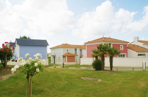 Last Minute Cottages - Le Domaine de Fontenelles 1