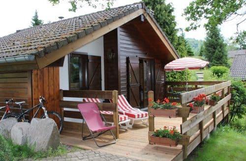 Last Minute Cottages - Les Chalets des Ayes 10