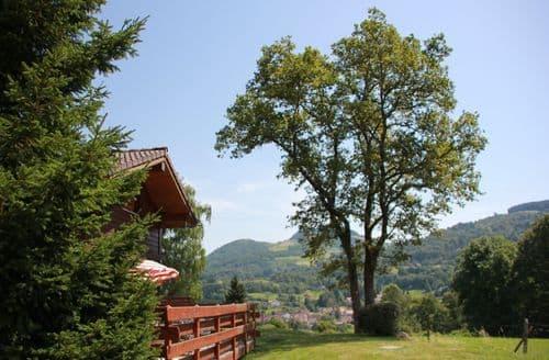 Last Minute Cottages - Les Chalets des Ayes 3
