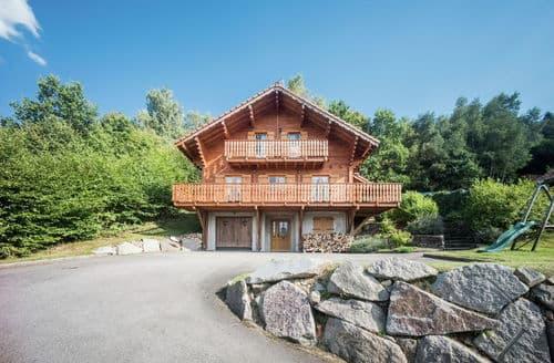 Last Minute Cottages - Chalet de la Roche