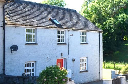 Last Minute Cottages - Danycrug First Floor
