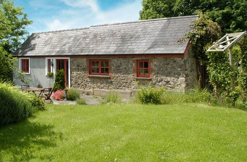 Dog Friendly Cottages - Beautiful Hill Mountain Cottage S153784