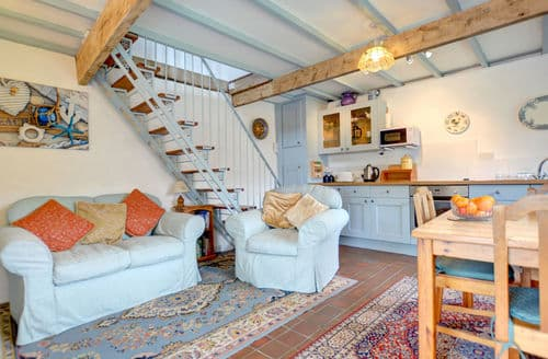 Last Minute Cottages - Luxury Whitland Cottage S153831