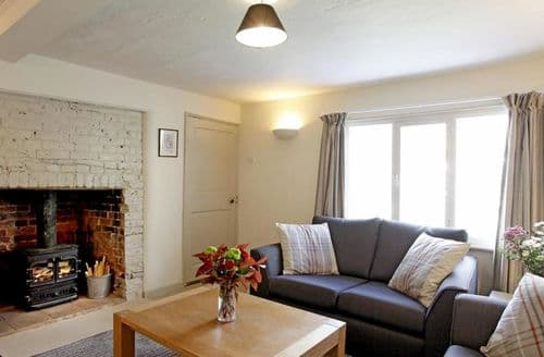 Last Minute Cottages - Brookside
