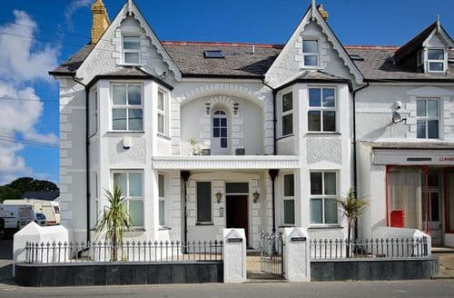 Last Minute Cottages - Glasfryn Penthouse