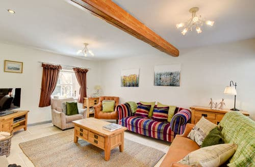 Last Minute Cottages - Delightful Low Stott Park Cottage S153980