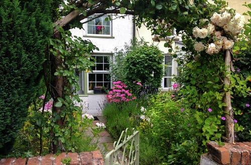 Last Minute Cottages - Groves Cottage