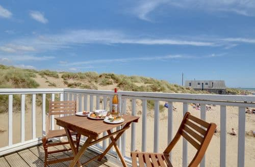 Last Minute Cottages - Sandunes Two