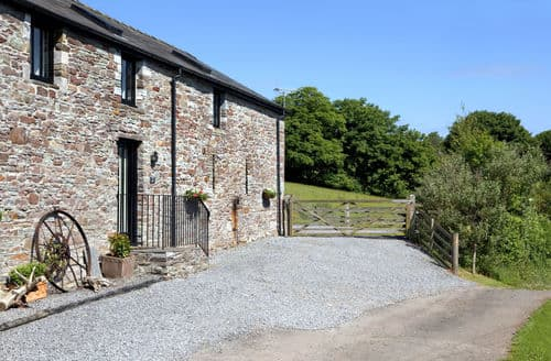 Last Minute Cottages - Llanilid Dau Rye Barn