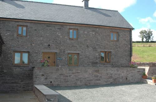 Last Minute Cottages - Pentwyn Farmhouse