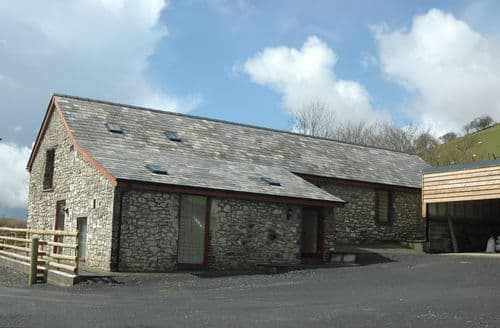 Last Minute Cottages - Mawr Cottage