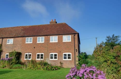Last Minute Cottages - Captivating Dover Cottage S154125