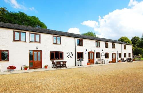 Last Minute Cottages - Tasteful Narborough Cottage S154140