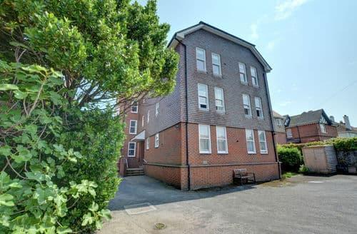 Last Minute Cottages - Flat 9 Bonningbrook Court