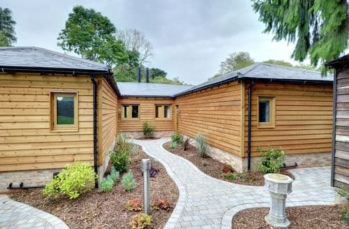 Last Minute Cottages - Hectors House