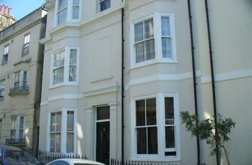 Last Minute Cottages - Lovely Brighton Apartment S154216