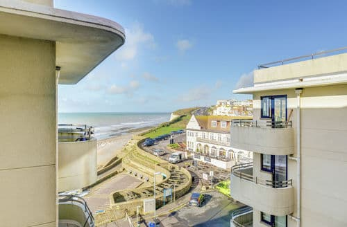 Last Minute Cottages - Superb Rottingdean Apartment S154218