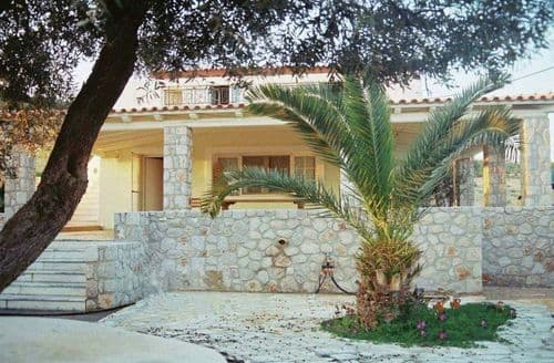 Last Minute Cottages - Villa Marialina