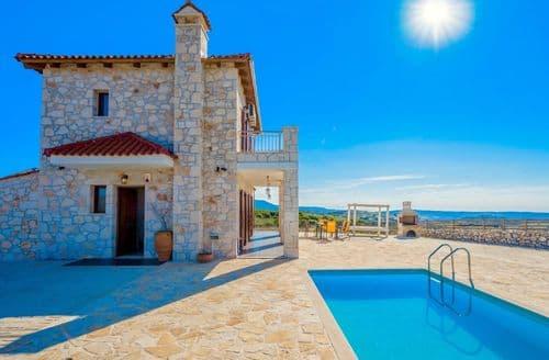 Last Minute Cottages - Villa Traditional I