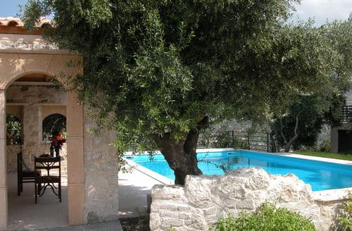 Last Minute Cottages - Villa Despoina