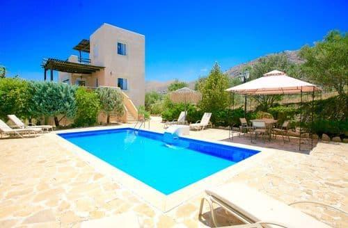 Last Minute Cottages - Villa Elaia